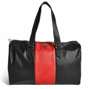 BRAND NEW Guess duffel bag